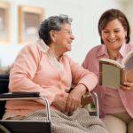 Những lý do bạn nên lựa chọn dịch vụ chăm sóc người già